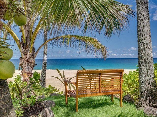 Waiting for you... 🌴 . . #keikibeachbungalows #keikibeach #northshoreoahu #northshore #pupukea #oahu #hawaii #hawaiilife #luckywelivehawaii #luckywelivehi #instahawaii #hawaiiunchained #808 #808life #808state #hawaiiansun #hawaiisunset #beachbungalow #endlesssummer #islandlife #islandliving #aloha #livealoha #alohastate #alohavibes #alohastateofmind