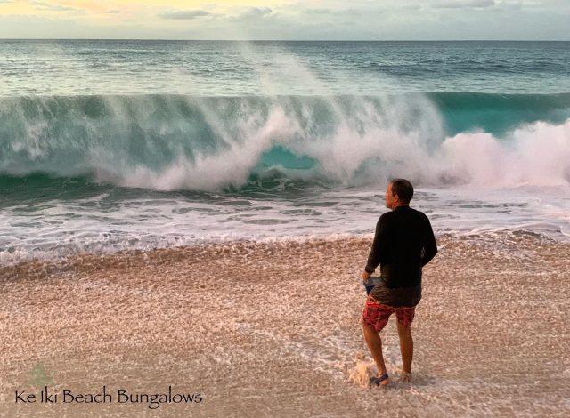 Clark Little getting ready for work at Ke Iki 🌊 @clarklittle  . . #keikibeachbungalows #keikibeach #northshoreoahu #northshore #pupukea #oahu #hawaii #hawaiilife #luckywelivehawaii #luckywelivehi #instahawaii #hawaiiunchained #808 #808life #808state #shorebreak #bigwaves #bigwave #endlesssummer #islandlife #clarklittle #aloha #livealoha #alohastate #alohavibes #bigsurf